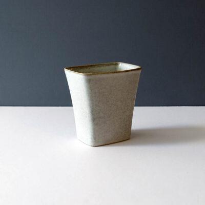 stanley-ballard-vermont-light-gray-planter-vase-#2
