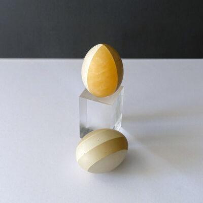 marble-egg-white-gray-amber-stripe2