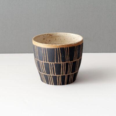 Ceramic vessel by Rosario Varela -b1