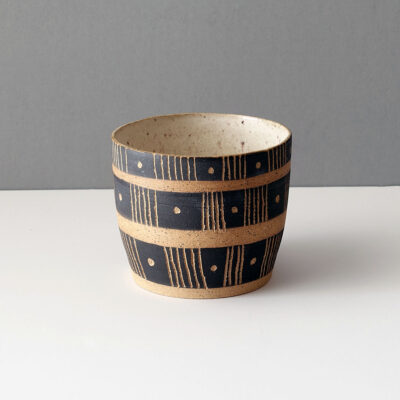 Ceramic vessel by Rosario Varela -c1