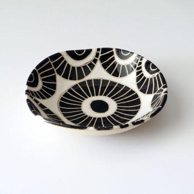 Ceramic vessel by Rosario Varela -f1