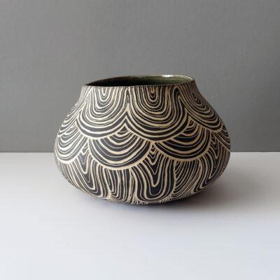 Ceramic vessel by Rosario Varela -h1