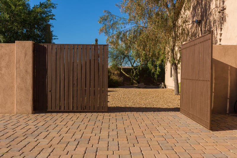 choosing the perfect automatic gate system for your home