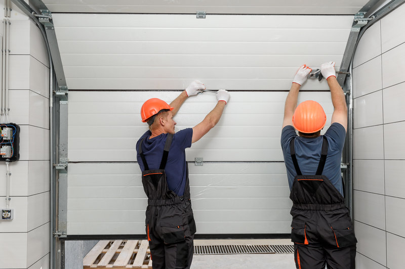 benefits of an insulated garage door