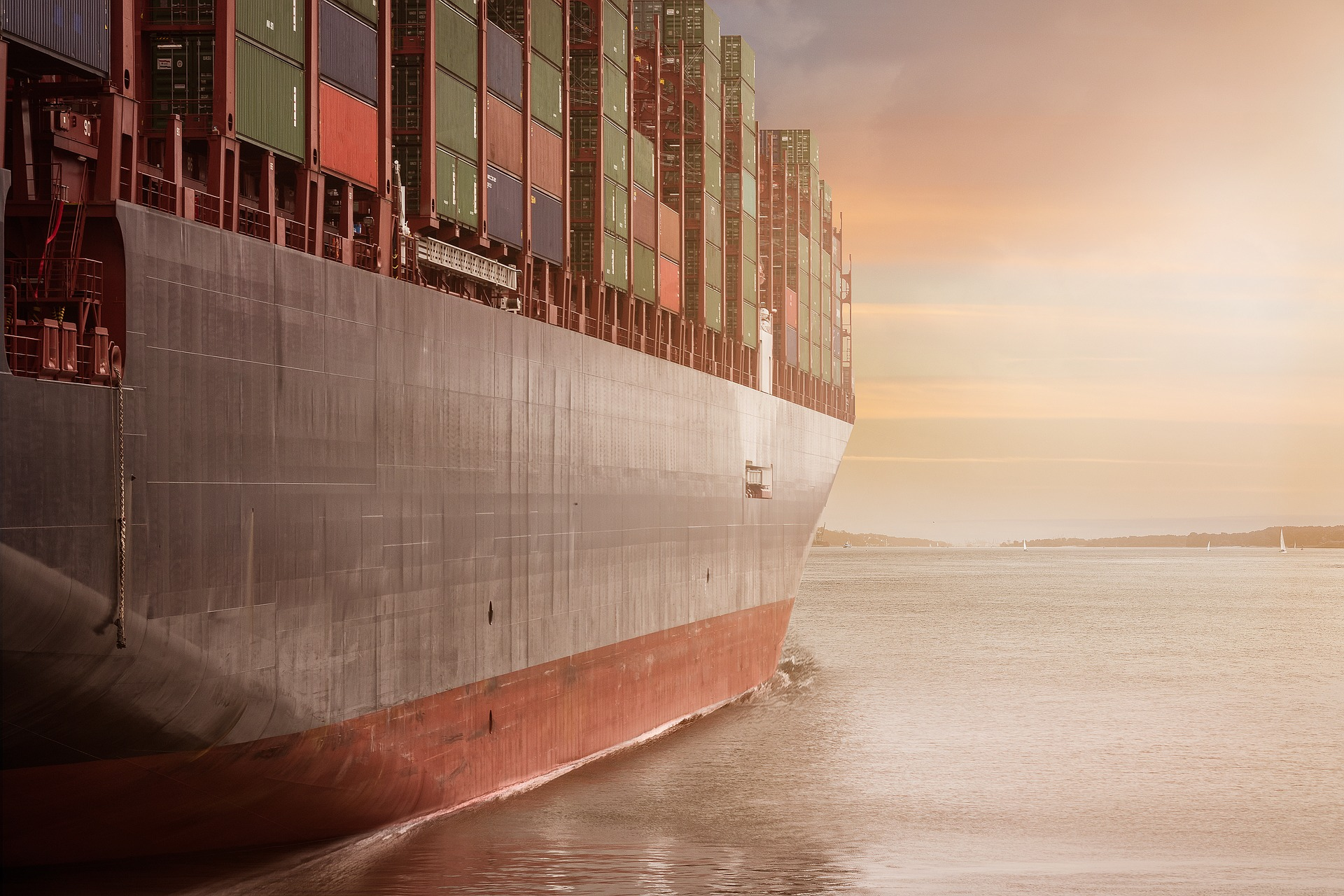 container-1611490_1920-Image by Alexander Kliem from Pixabay