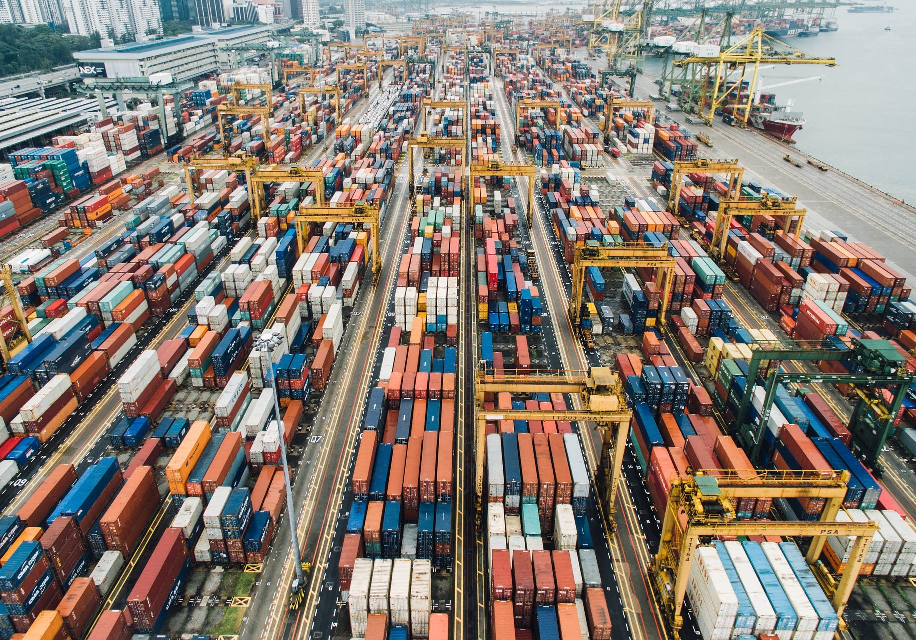 container-2568197_1920-Image by StockSnap from Pixabay