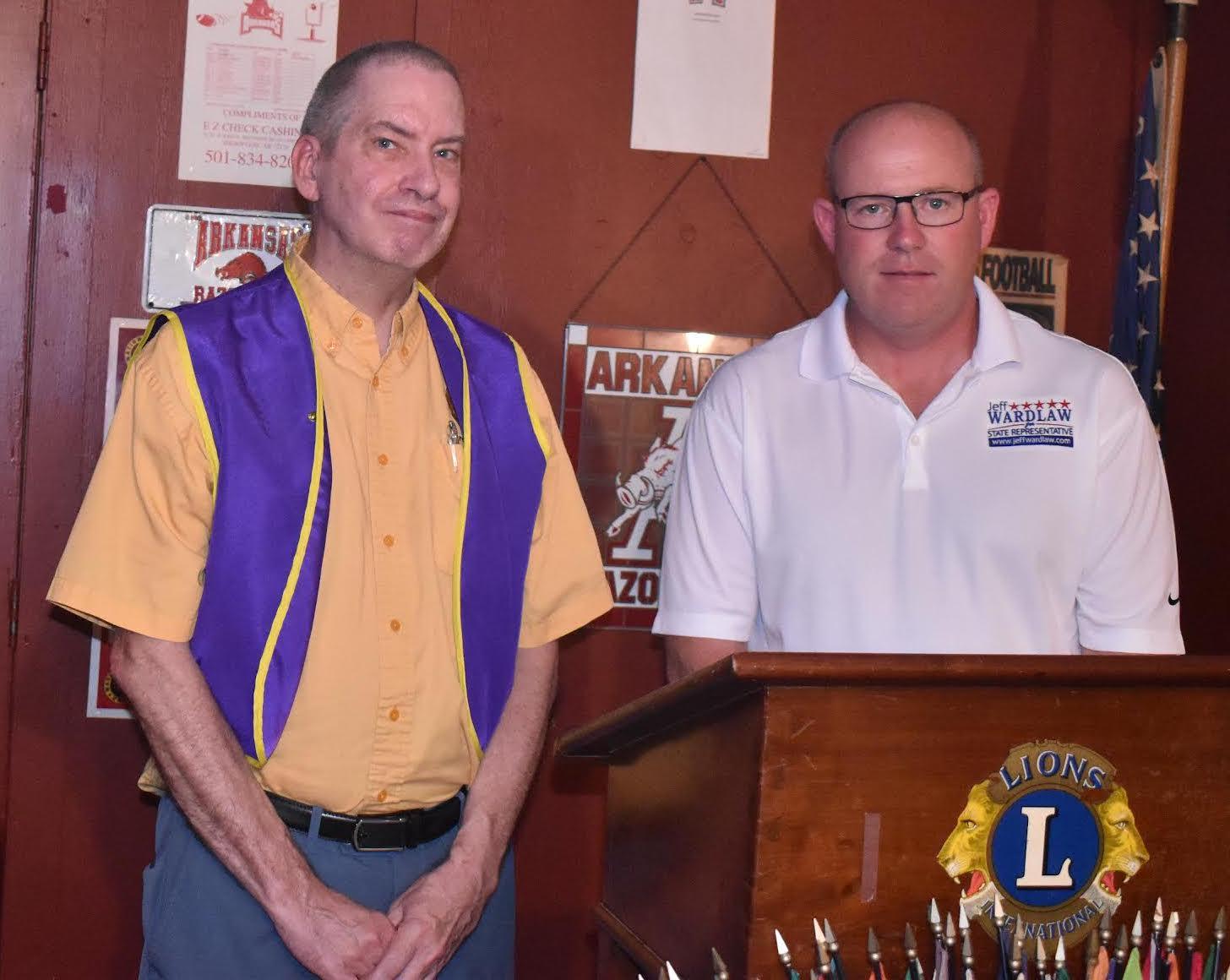 State Rep. Jeff Wardlaw speaks to Warren Lions Club