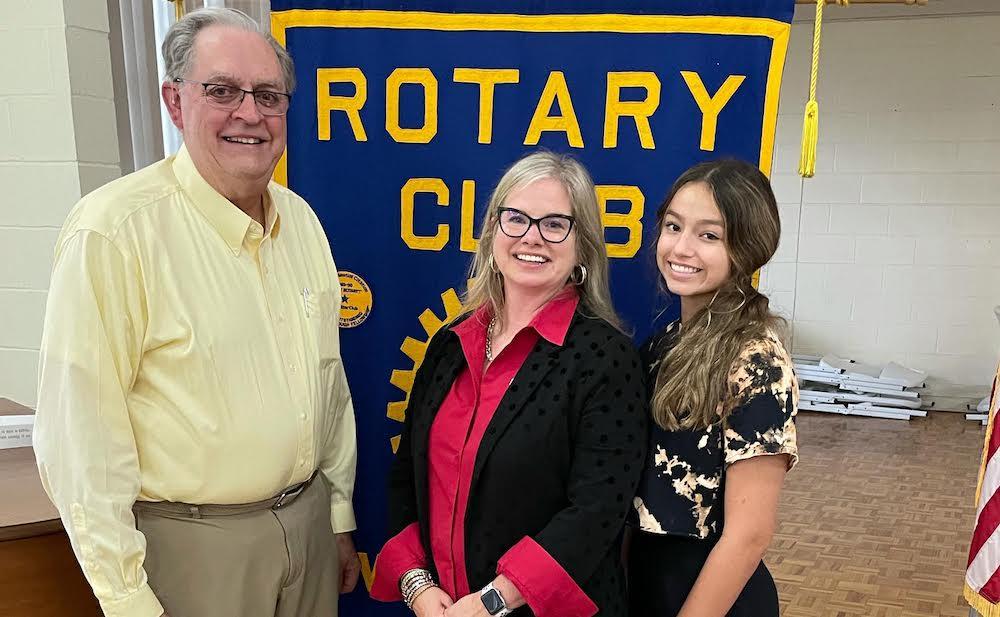 Morgan Richardson Meeks speaks to Warren Rotary
