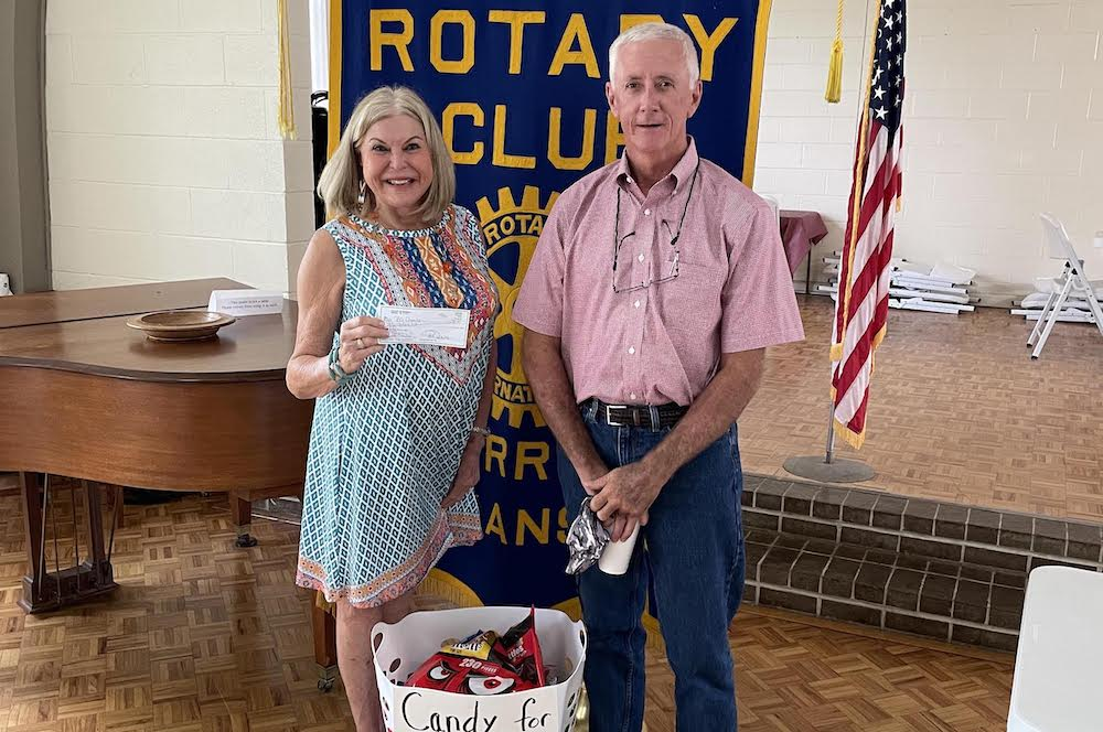 Debbie Spencer presents BCCC program at Warren Rotary