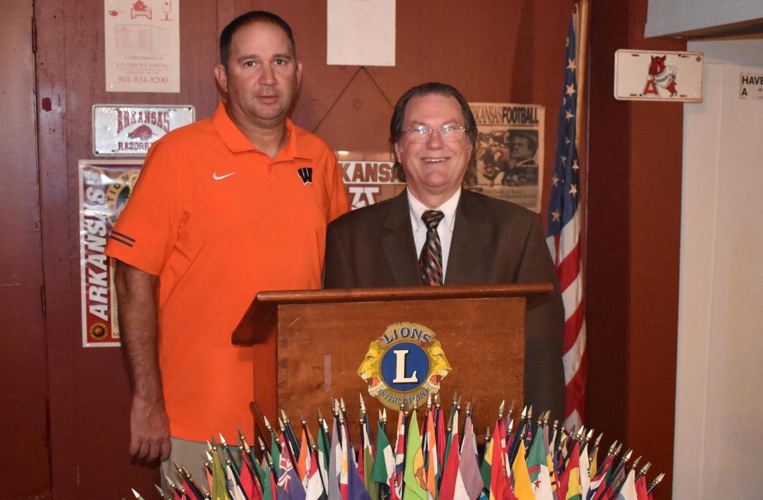 Hembree speaks to Warren Lions Club