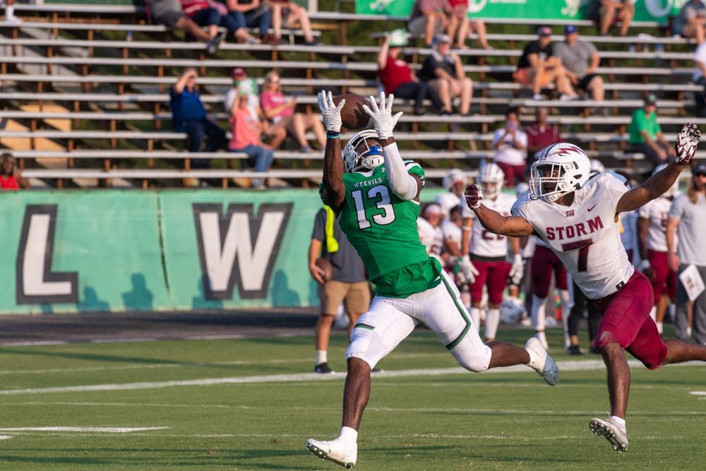Weevils hold off SNU for season opening victory, 30-23