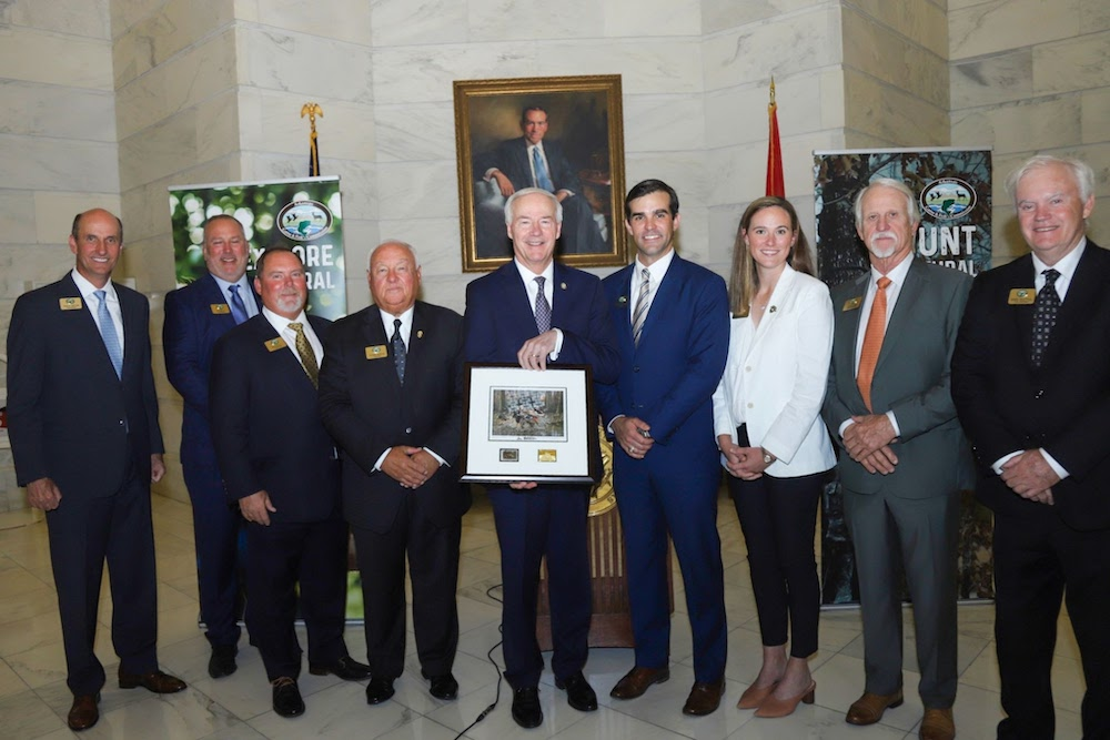 Gov. Hutchinson unveils Arkansas Duck Stamp at National Hunting and Fishing Day proclamation