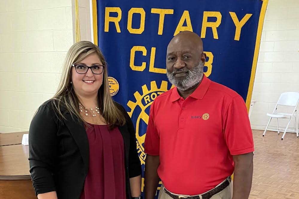 Alleyssa Horn of New Outlook Counseling speaks to Warren Rotary