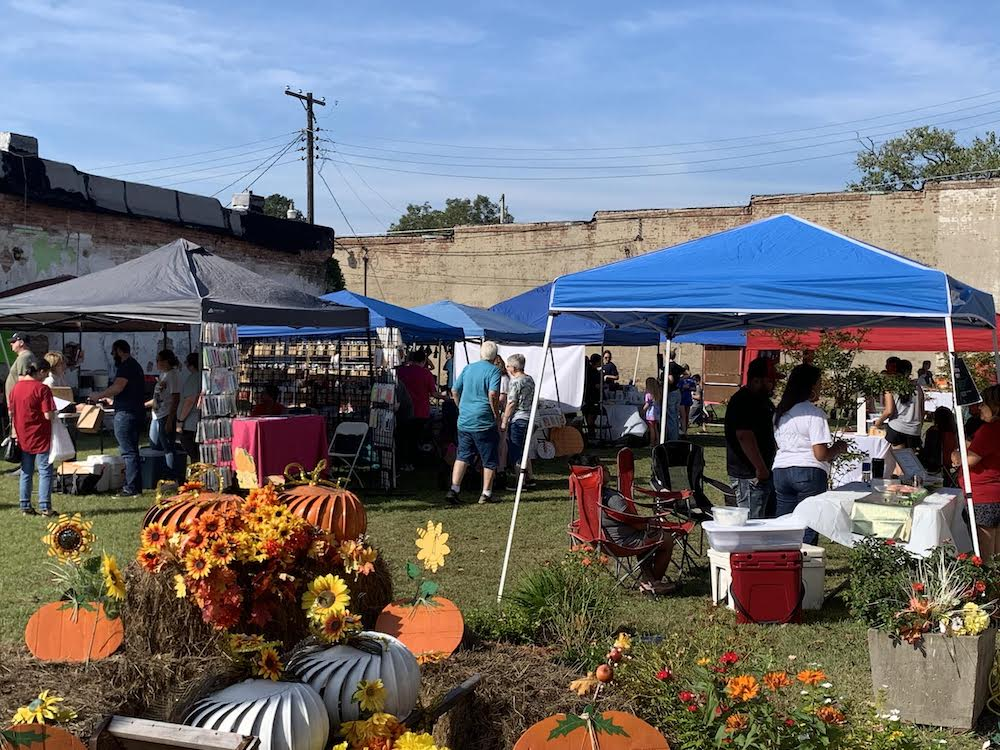 Market on Main continues to be a hit in Warren