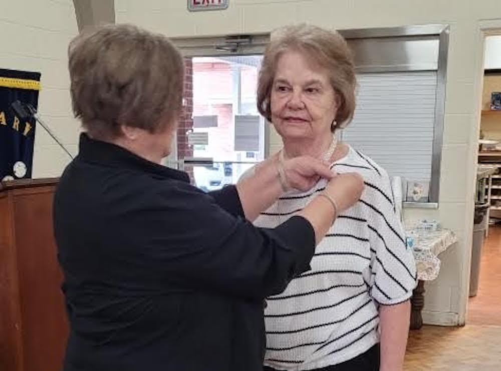 GFWC Warren Woman's Club welcomes new member