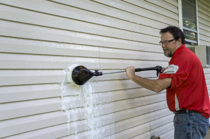 How To Clean Vinyl Siding Properly
