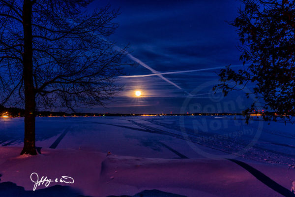 Point North Photography-RISING MOON