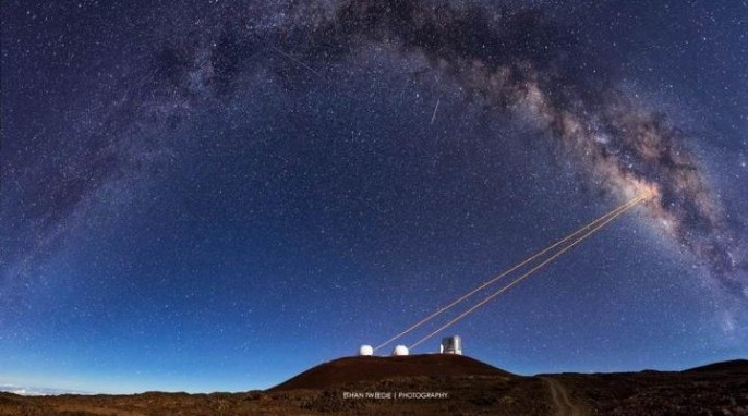 Telescopes at the W.M. Keck Observatory in Hawaii (Ethan Tweedie)