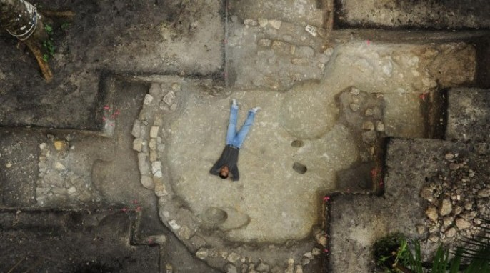 Mayan civilization: A round structure uncovered at Ceibal, from about 500 B.C. (Takeshi Inomata/University of Arizona)