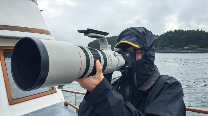 Max Goldberg photographing grizzly bears and other wildlife in Alaska