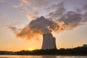 Stacks of a nuclear power plant. (Credit: Markus Distelrath/Pixabay)
