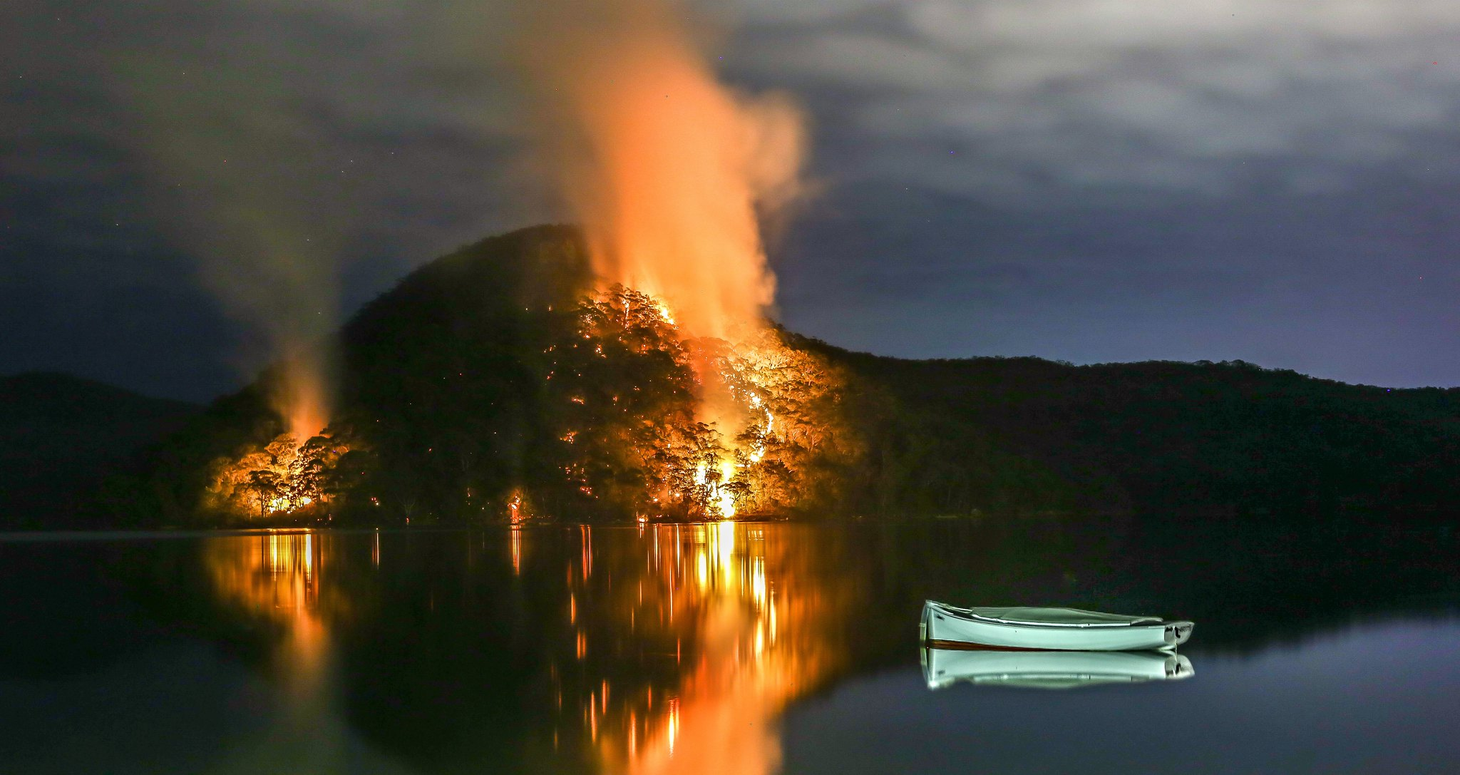 Bush Fires across Woy Woy Bay in New South Wales, Australia, Photo by Martin Snicer (CC BY-ND 2.0)