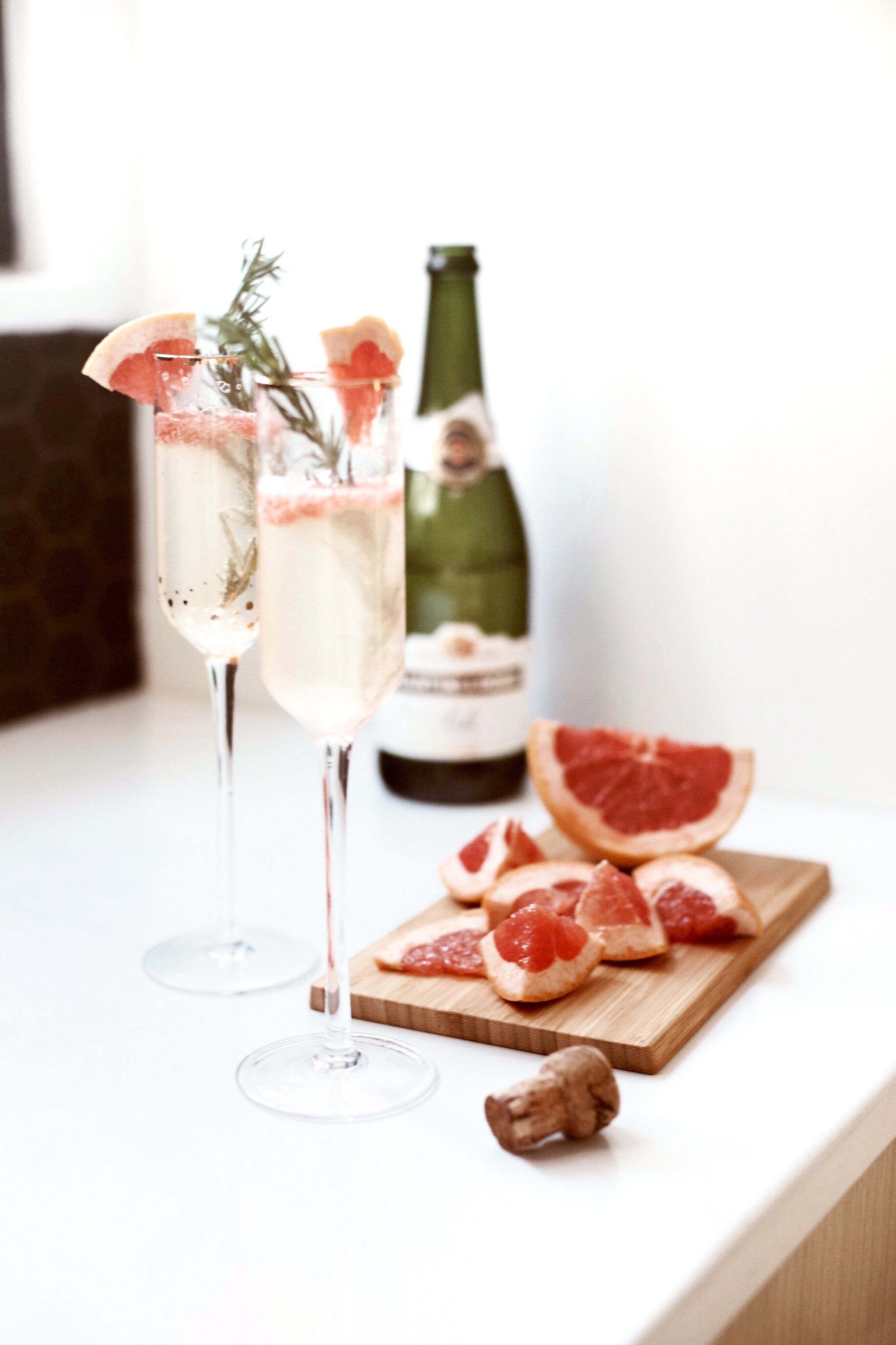 Rosemary Grapefruit Prosecco   |   Gypsy Drinks