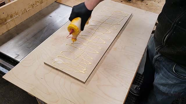 making the cross cut sled