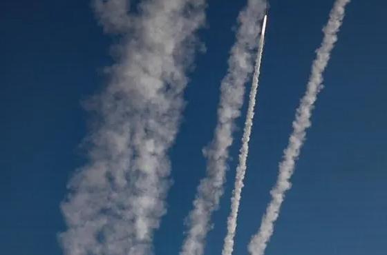 Israel reporta lanzamiento de cohetes desde Siria