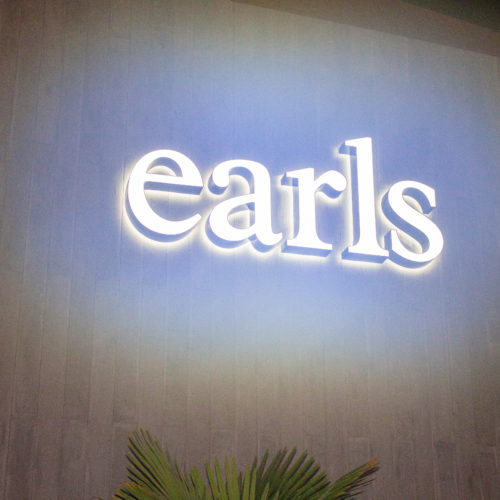 WINE DOWN WEDNESDAY AT EARL'S ORLANDO