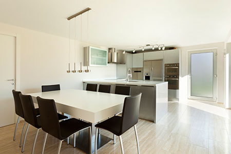 Newly Designed Modern Kitchen and Dining Room