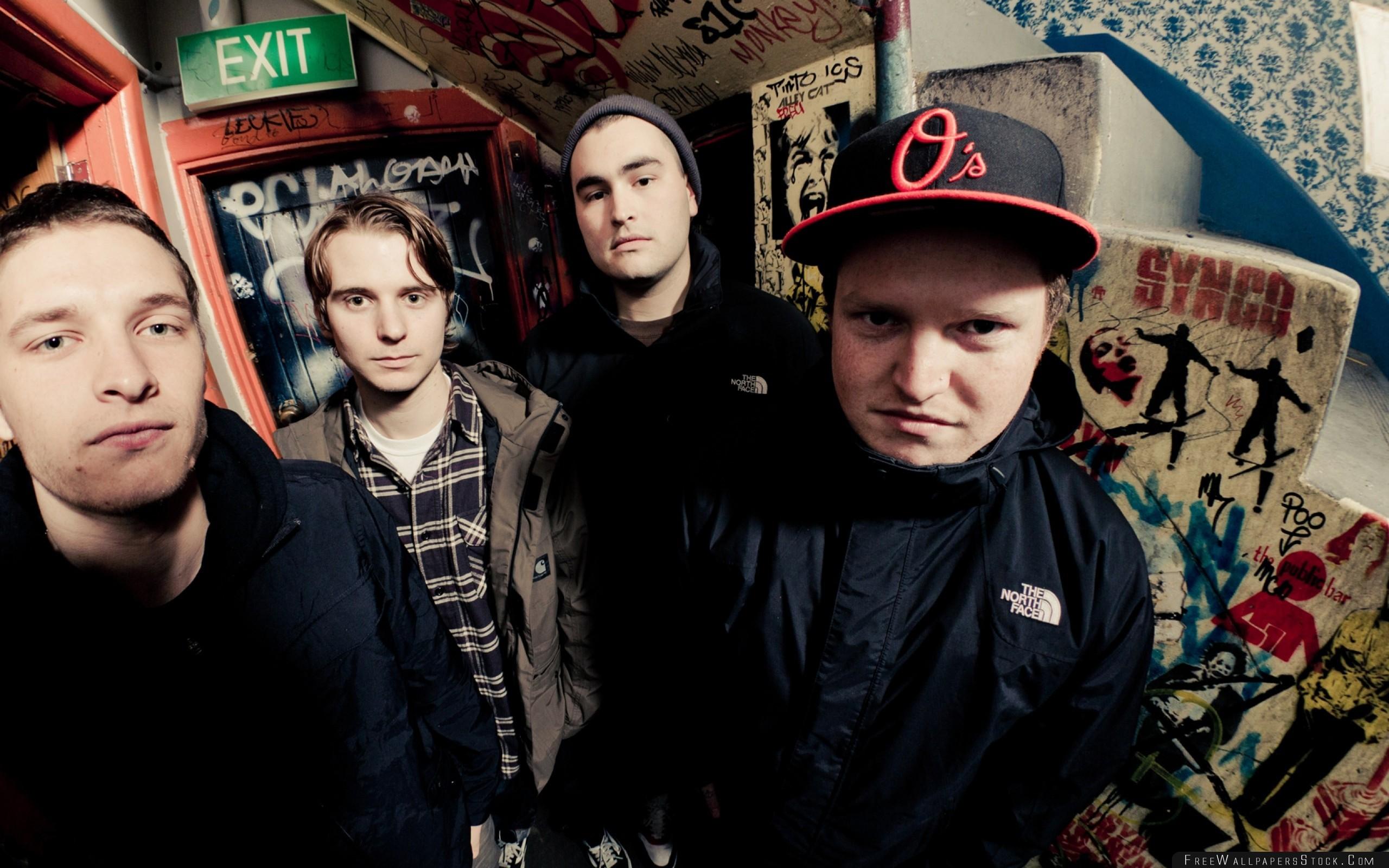Download Free Wallpaper Warbrain Band Faces Doors Graffiti