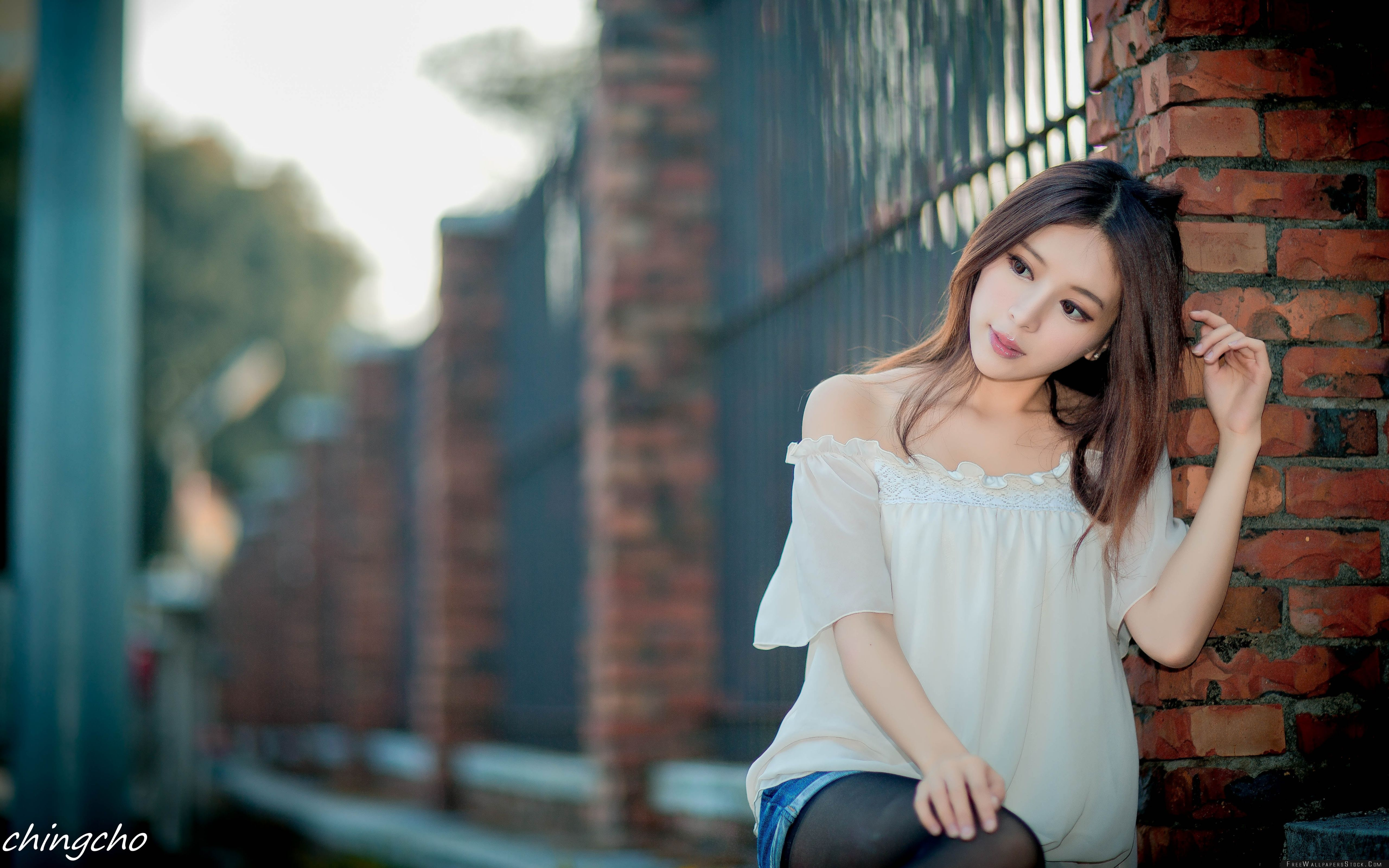 Download Free Wallpaper Beautiful Asian Girl
