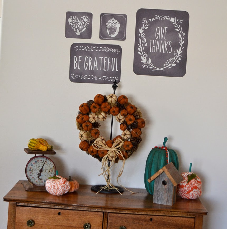 Moved for Thanksgiving – Wall Decorations