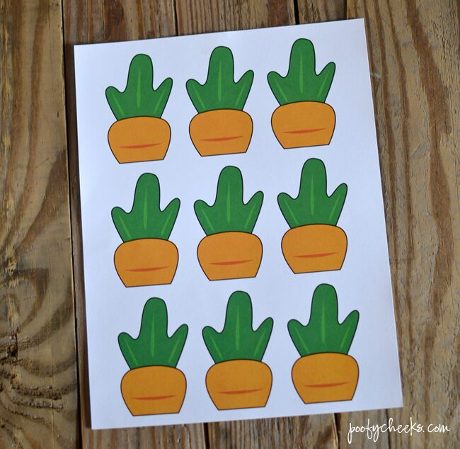 Printable Carrot Cupcake Toppers - Add to Oreo 'Dirt' Cupcakes for an Easter Bunny treat!