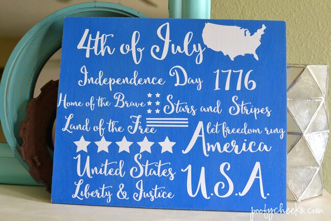 Fourth of July Sign - DIY with Vinyl and Wood