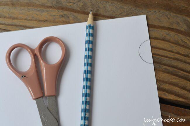Make a Pretty Paint Can - 15 minute DIY | https://poofycheeks.com @kelsalexandra