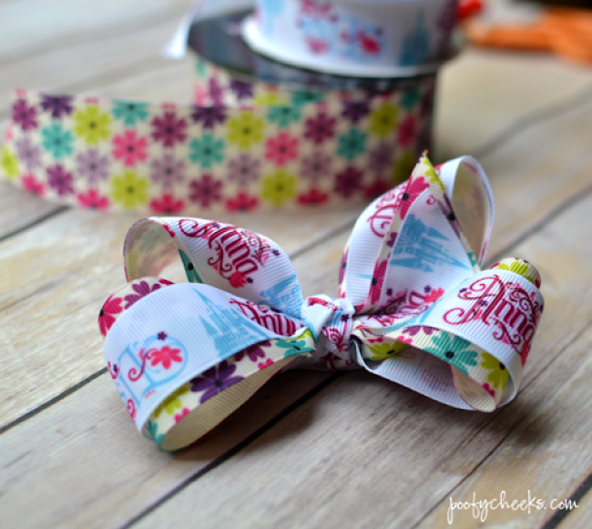 Step by Step hair bow tutorial for making grossgrain ribbon bows. Stop spending money on bows you can make yourself!