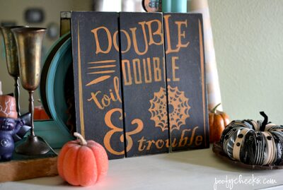 https://poofycheeks.com/2015/09/toil-trouble-mini-pallet-halloween-sign.html