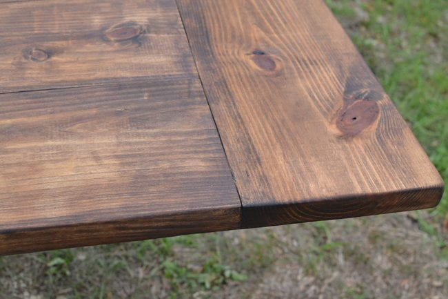 Building a Farmhouse Table from pine - DIY Farmhouse Dining Table