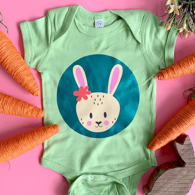 Learn how to create layered designs in Cricut Design Space. PLUS grab this free bunny cut file.