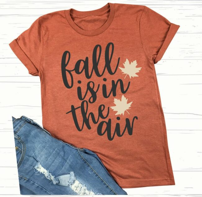 15 Fall Cut Files from around the web. Use with Cricut and/or Silhouette machines.