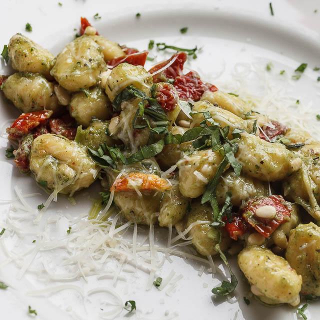 Louisiana Pizza Kitchen's Pesto Gnocchi