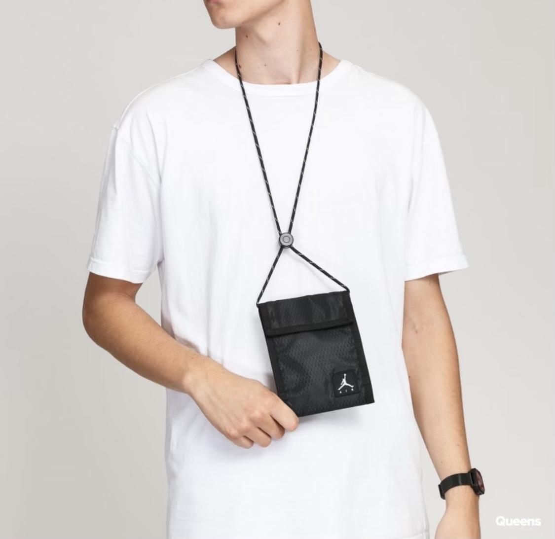 Jordan Tri-Fold Bag Black