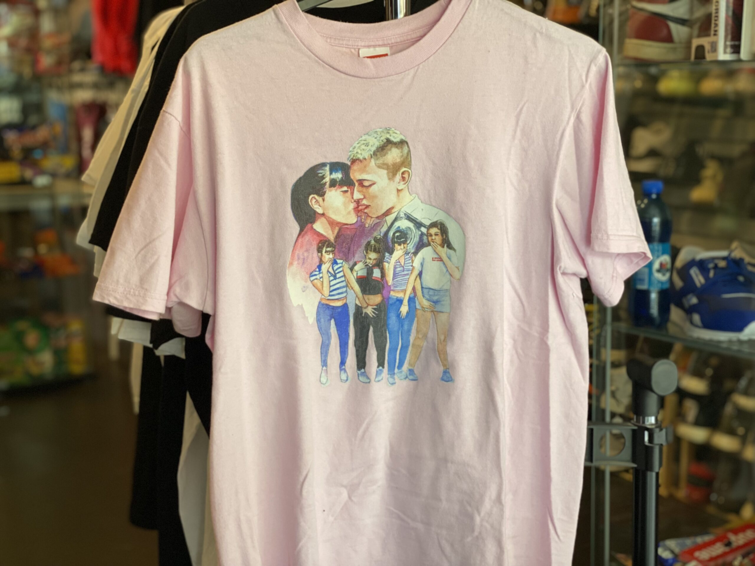 Preowned Supreme Kiss Tee Pink Size M
