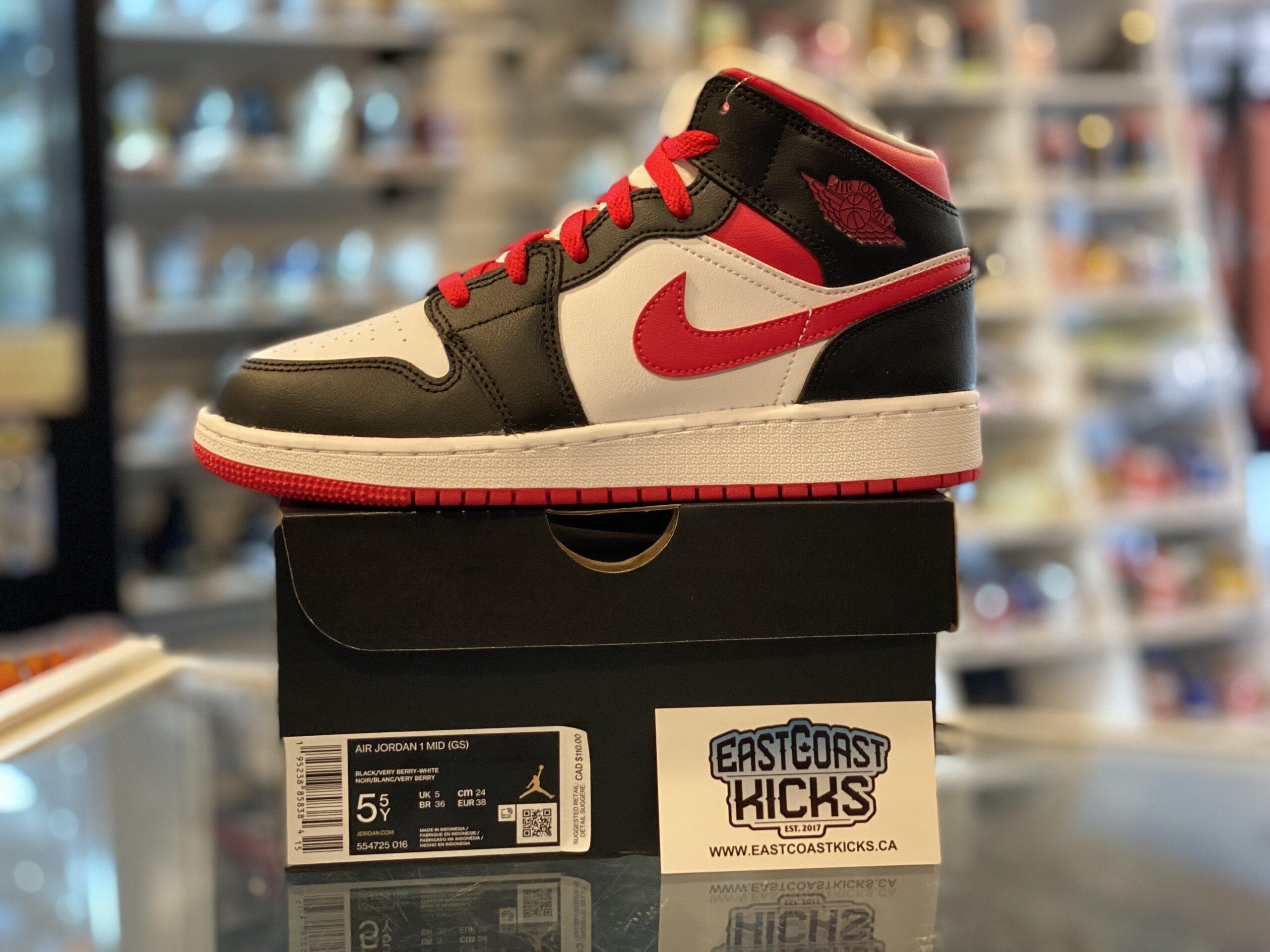 Jordan 1 Mid Very Berry Size 5.5Y