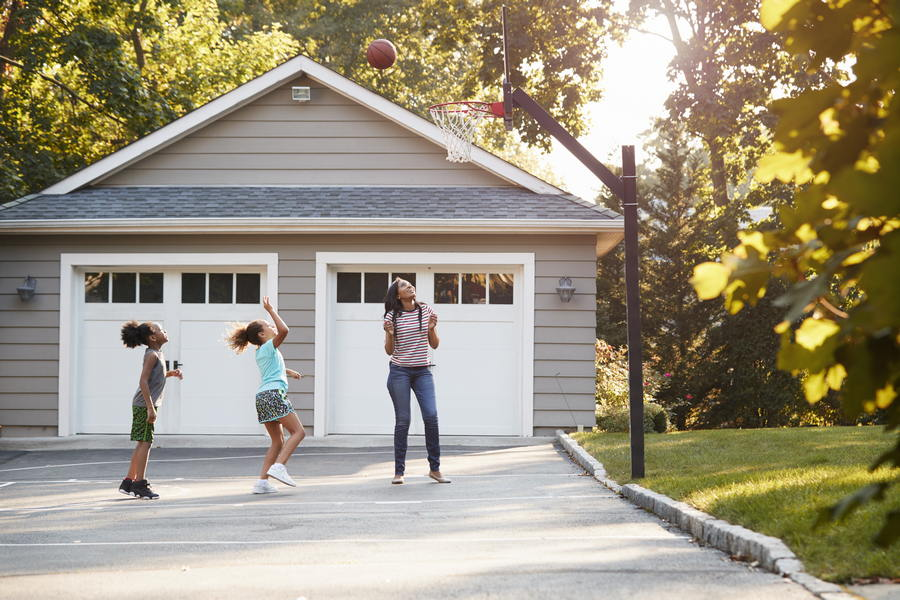Why a Cement Driveway is a Better Option Than Asphalt