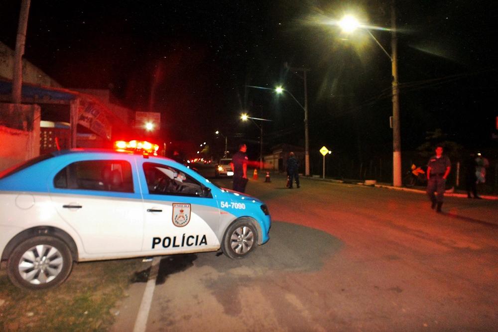 Objetivo é retirar de circulação motos em situação irregular, que podem ser utilizadas em possíveis delitos. (fotos: João Henrique / Maricá Info)