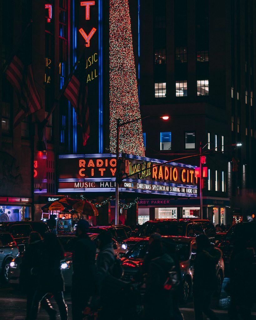 Radio City Christmass min Best Tour Place