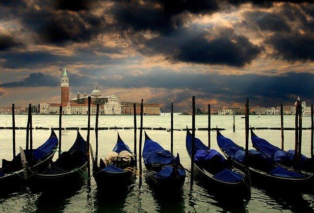 Venice 2 Best Tour Place